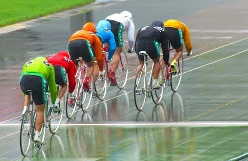 競輪 雨 滑りやすい